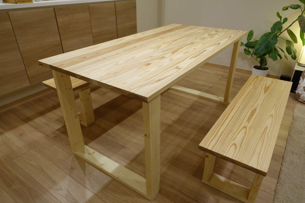 杉板で作る木のダイニングテーブルDIY